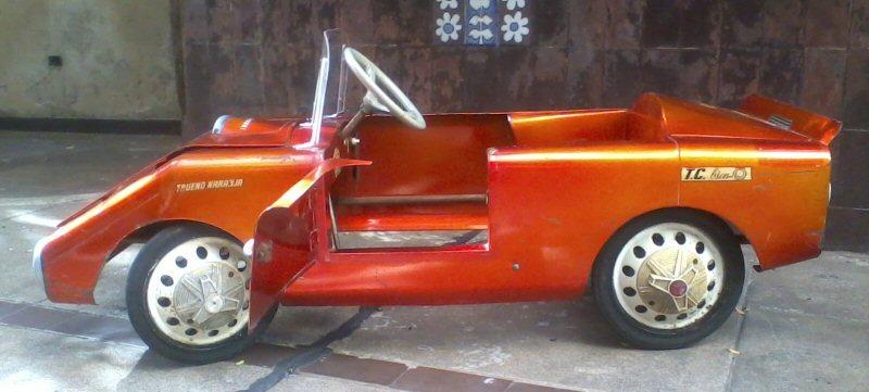 trueno naranja karting auto a pedal halcon veh culos para ni os a ars 8500 en preciolandia. Black Bedroom Furniture Sets. Home Design Ideas